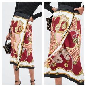 Zara chain/scarf print satin skirt